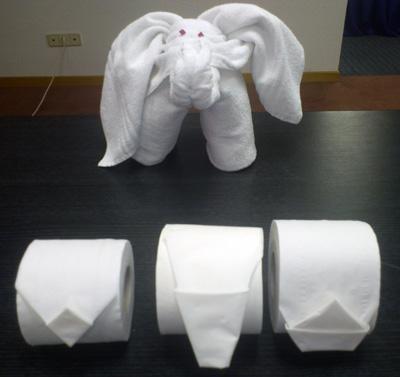 Decoracion Con Toallas Un Detalle Para Los Clientes Con Signos De - Decoracion-con-toallas