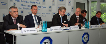 TÜV SÜD Generates 1 400 new places of work in 2013 all over