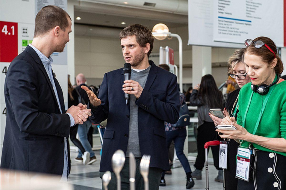 Visitas guiadas de diseñadores 2020: Ineke Hans y Mark Braun nos guían por la feria Ambiente