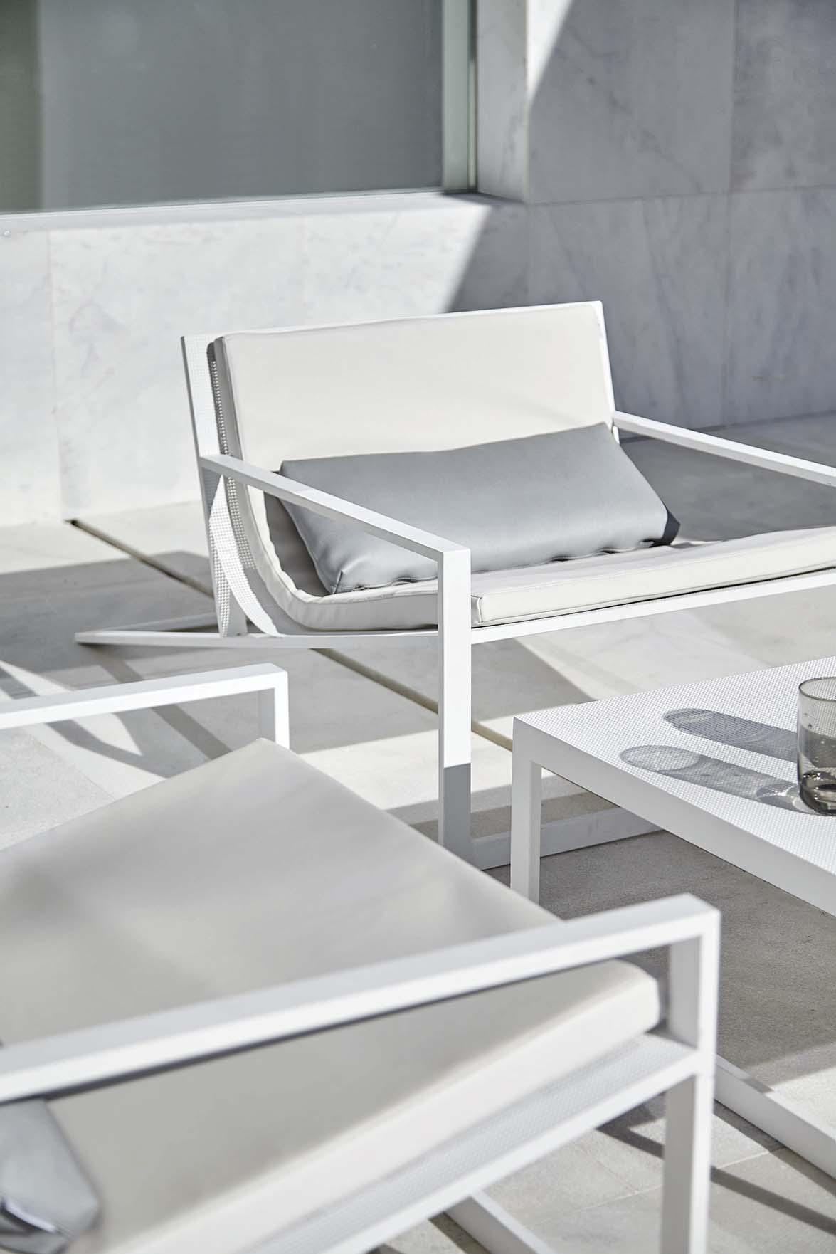 blau by fran silvestre for gandiablasco mediterranean. Black Bedroom Furniture Sets. Home Design Ideas