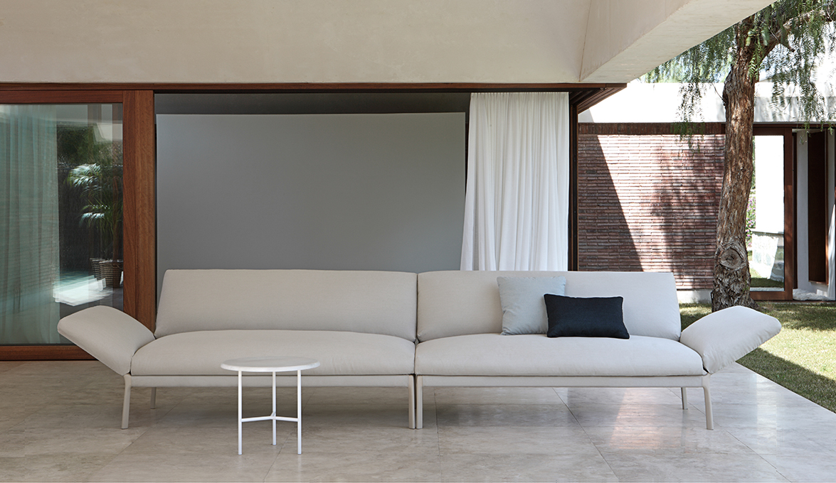Livit sofa by Lievore Altherr Molina 01