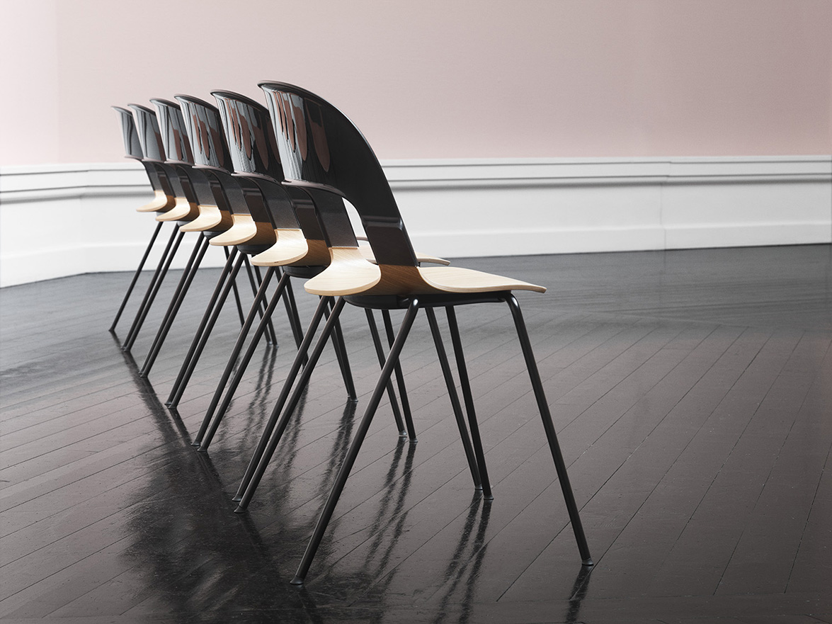 fritz_hansen_pair_black_oak_den_frie_5_chairs_back_2016