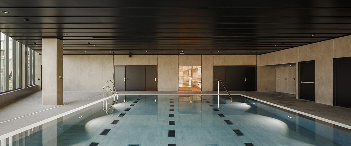 piscina-interior-rafa-nadal-academy_dekton-strato-y-domoos-hr