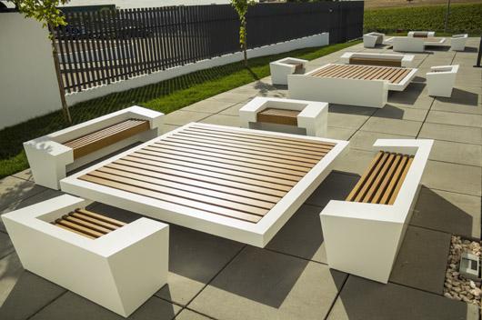 Reinadecorazones dise a y fabrica el mobiliario exterior para el centro de ciencia del caf en - Mobiliario de exterior ...
