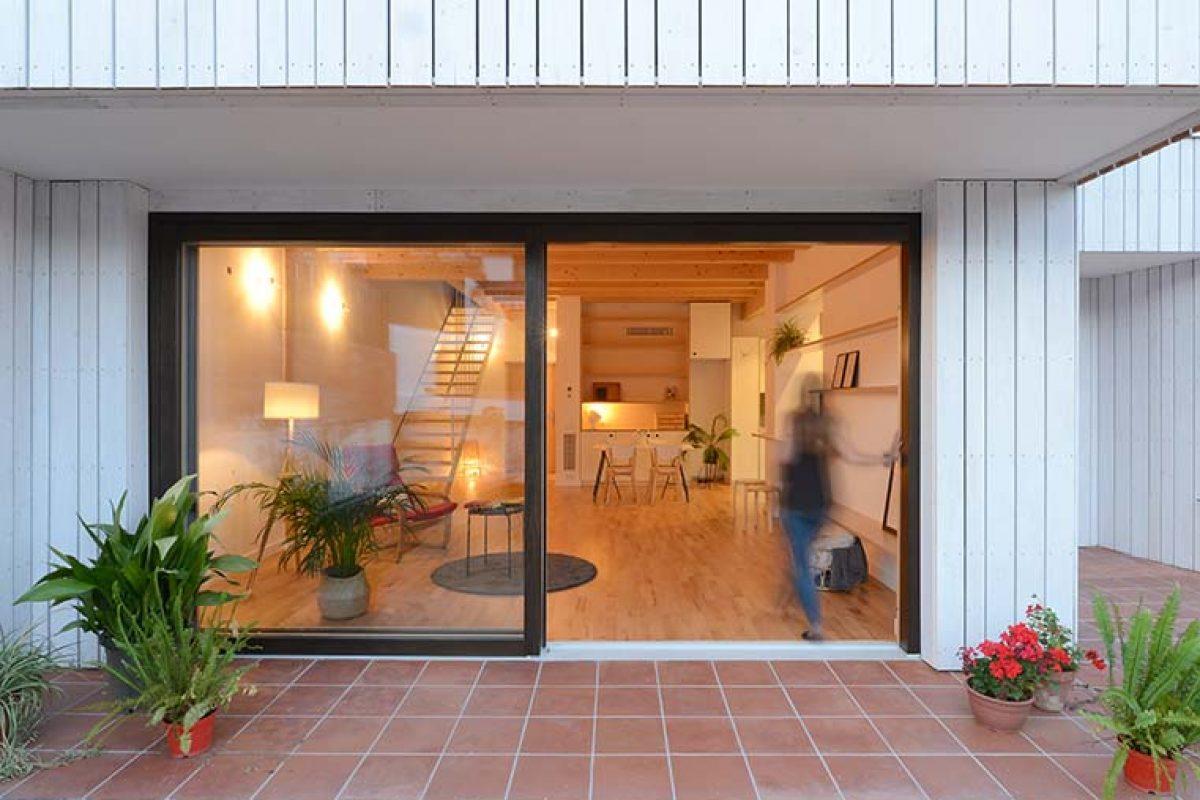 Coma Arquitectura proyecta una vivienda preindustrializada de madera y de bajo consumo energético