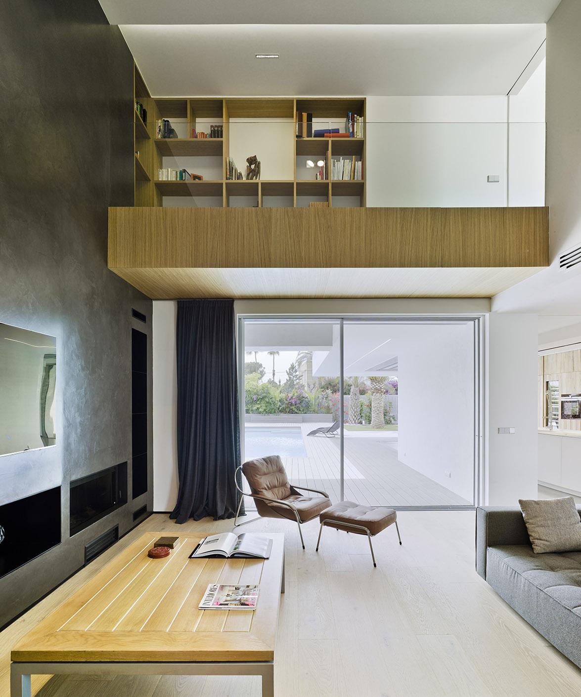 Villa z v de tom s amat estudio de arquitectura - Estudios arquitectura alicante ...