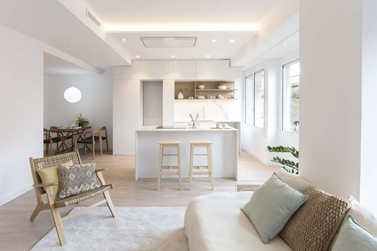 LaiaUbia Studio diseña una vivienda potenciando la luz natural y la amplitud de los espacios