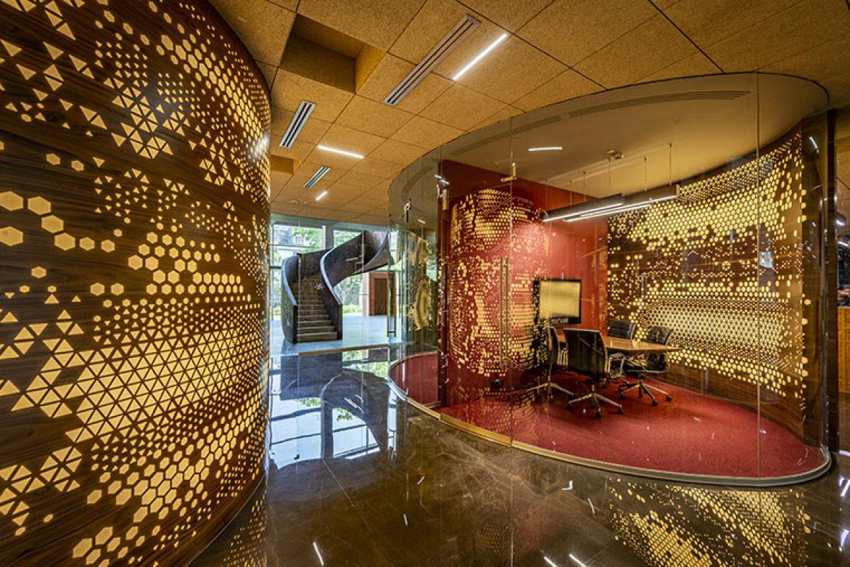 Sanjay Puri Architects crea volúmenes arquitectónicos para las oficinas de la firma Narsi en Navi Mumbai