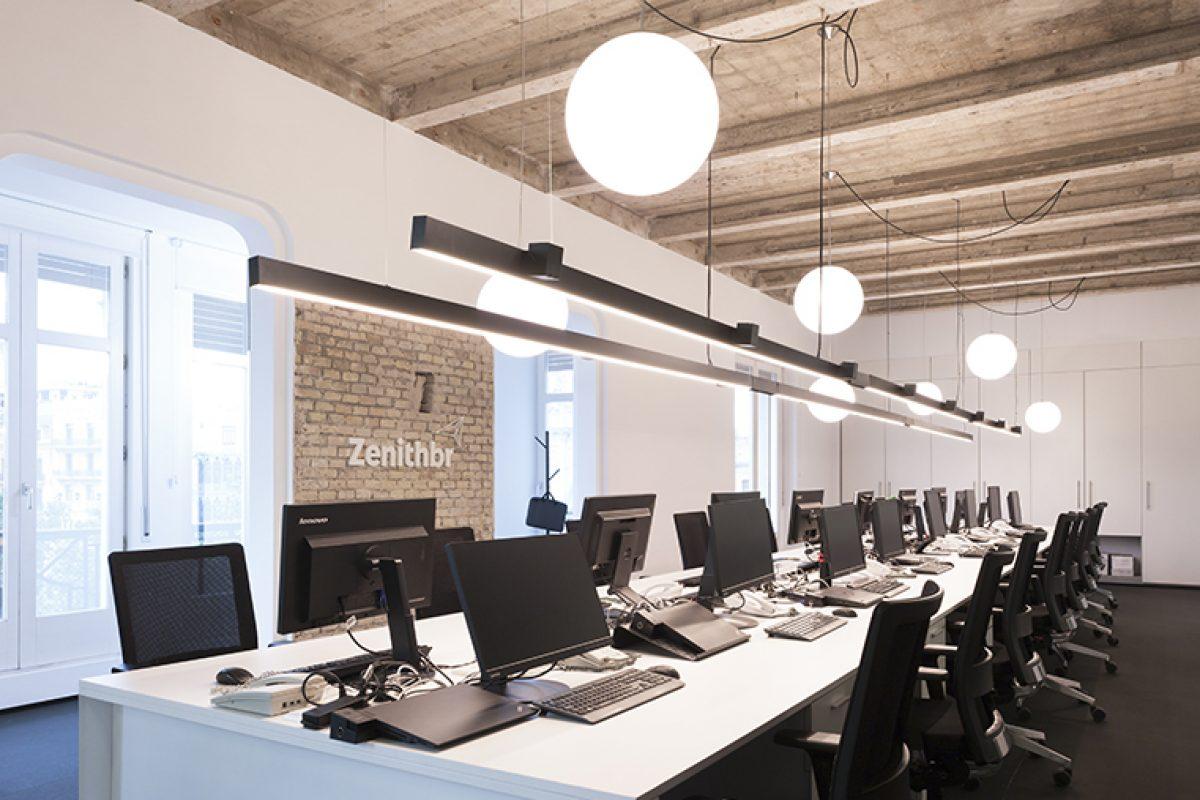 H Up Interiorismo diseña las nuevas oficinas de Zenith BR Media, un espacio abierto, sereno y práctico