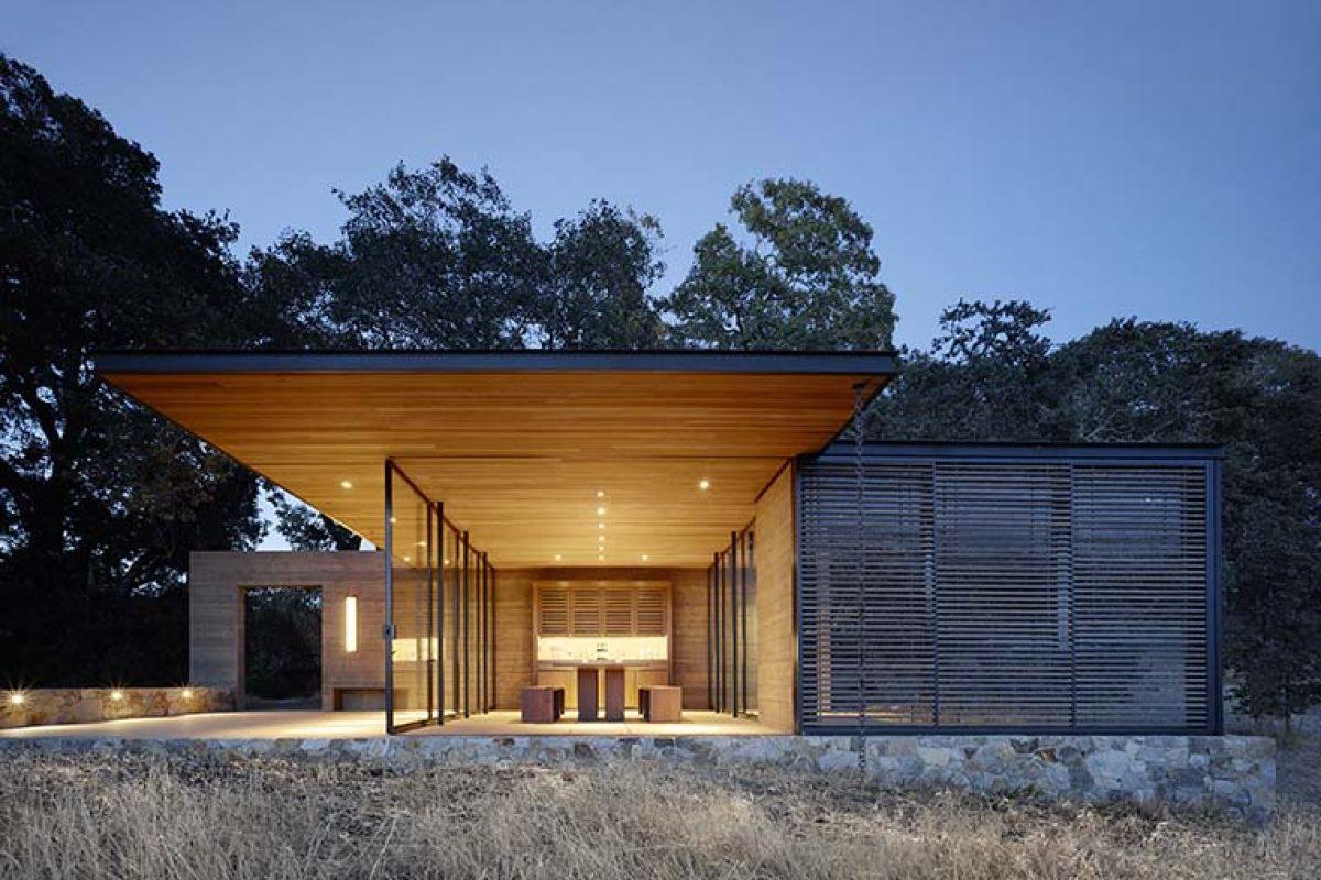Pabellones Quintessa entre viñedos. Un proyecto de Walker Warner Architects en el Valle de Napa