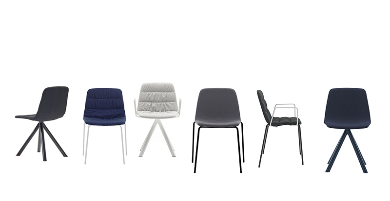 Maarten_Chairs_by_Viccarbe_sand_and_blue