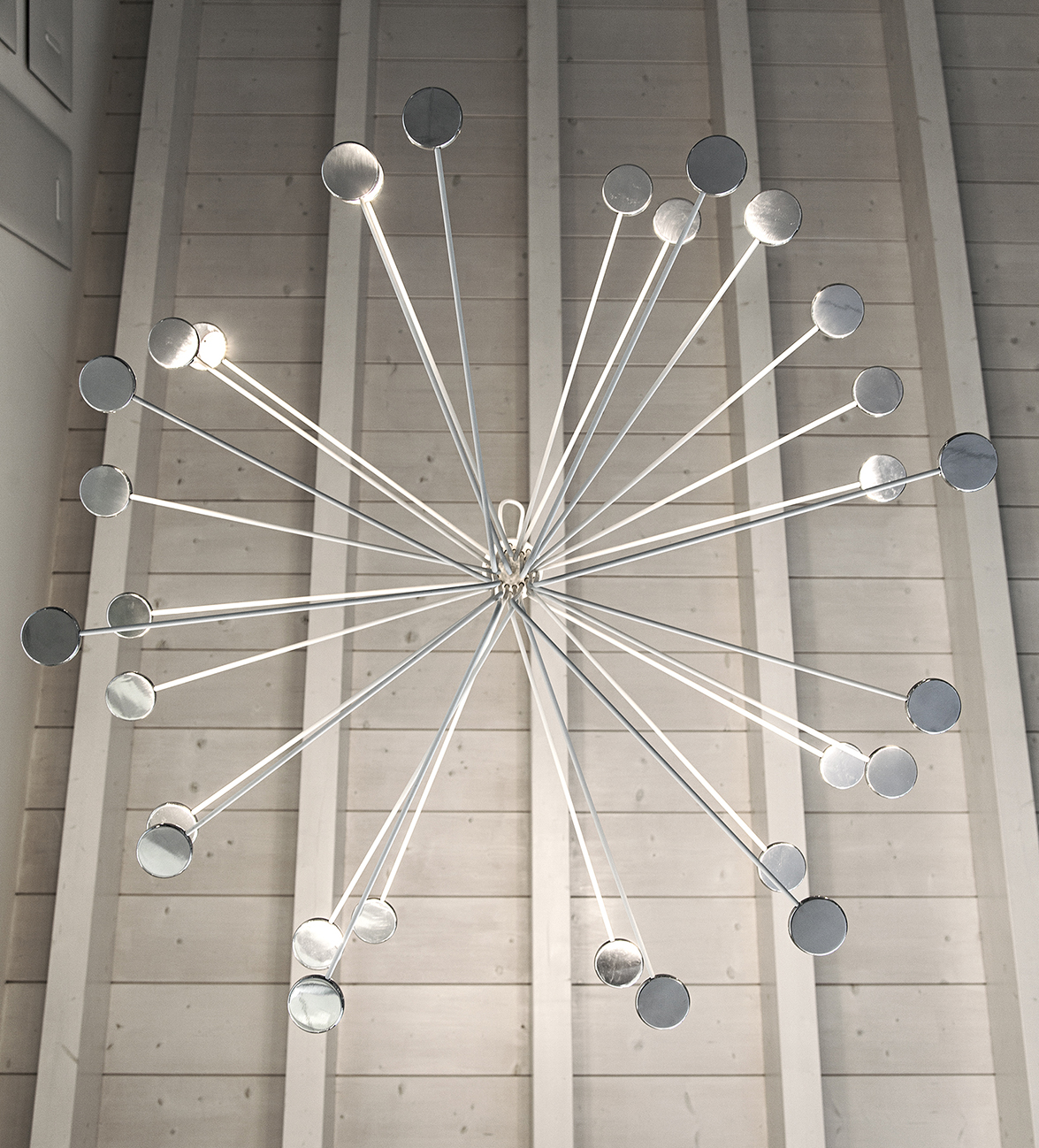 Arbor of IconeLuce, creativity in lighting designed by Marco Pagnoncelli