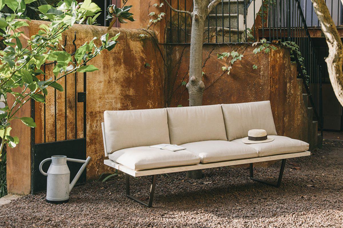 New-Wood Plan, la colección completa de muebles de exterior diseñada por Studio Lievore Altherr para Fast