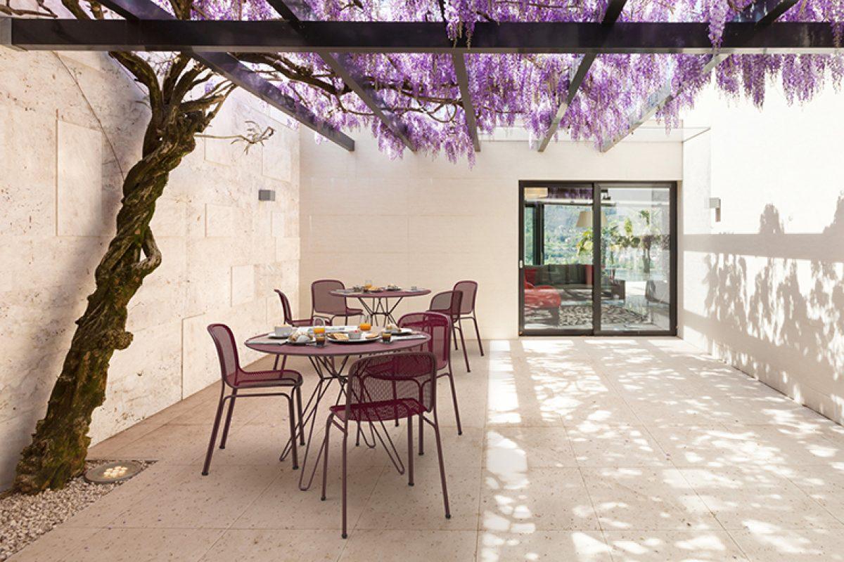 Villa de Jun Yasumoto para Colos, un innovadora silla contract que mezcla las líneas clásicas con la estética contemporánea