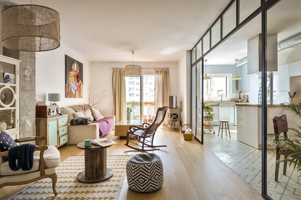 Reforma de vivienda por el estudio de arquitectura U+G. Espacios abiertos con estilo mix&match que desafía su talante industrial