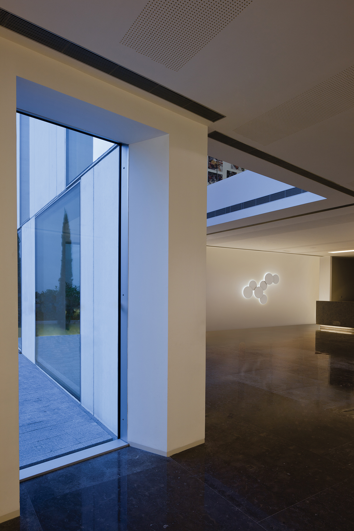 Puck Wall Art Design By Jordi Vilardell : Lighting keys for hotels corporate headquarters or public