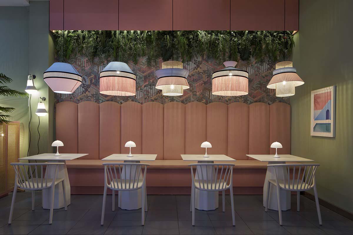 SINMAS diseña una cervecería en rosa, la terraza Bierwinkel Experience