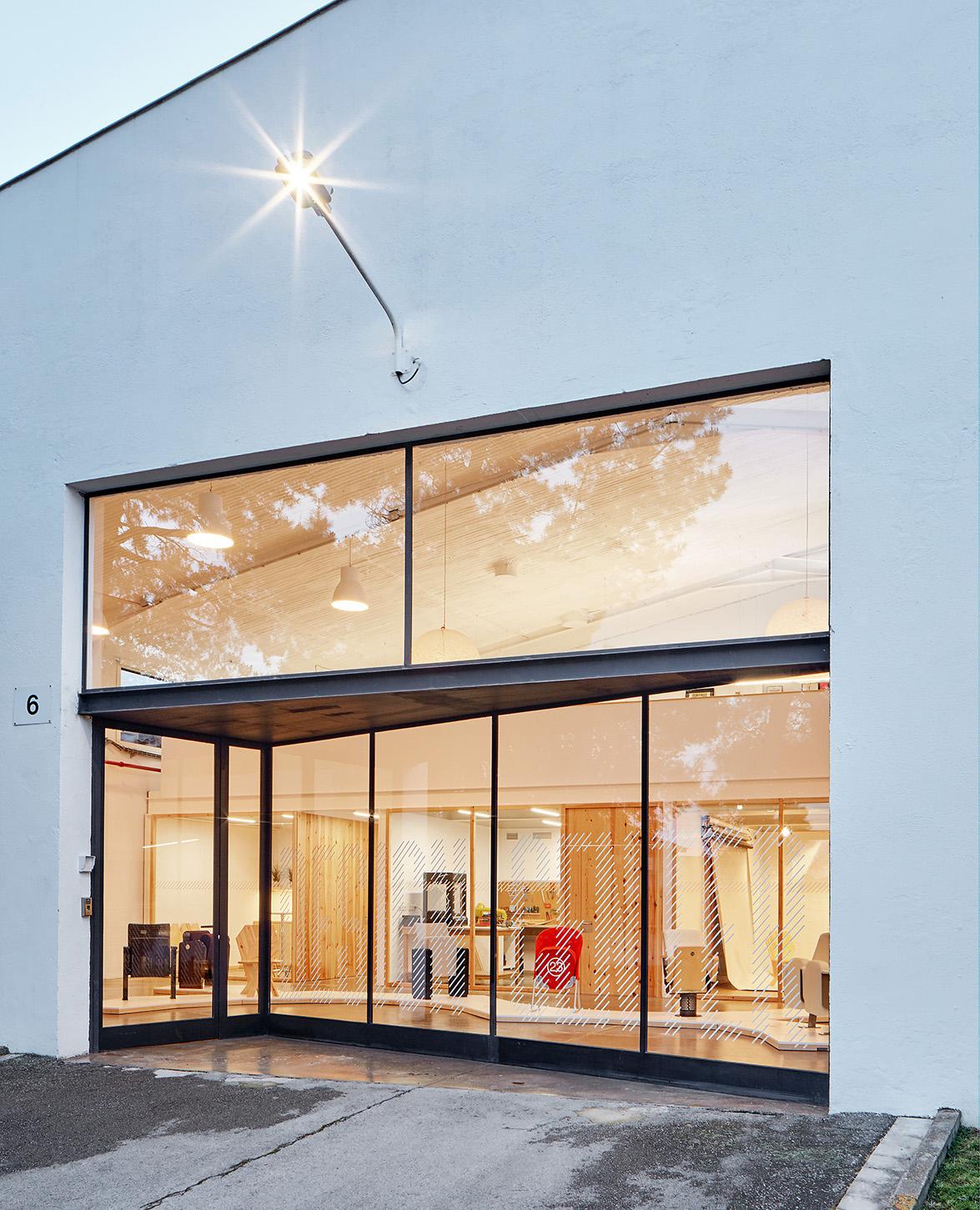 Miriam castells studio dise a el nuevo design centre - Disena studio ...