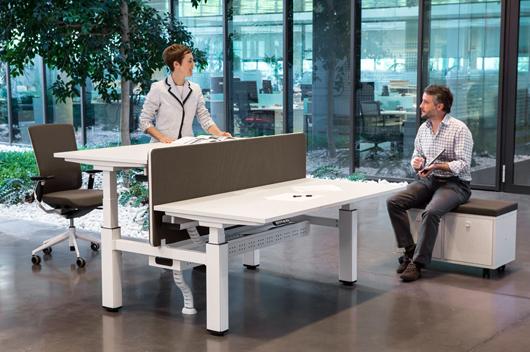 Mobility de actiu una mesa elevable pensada para los - Mesa de arquitecto ...