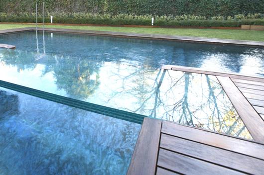 Pasarelas de vetrolux espacios en vidrio ideal para piscinas - Piscina de cristal ...
