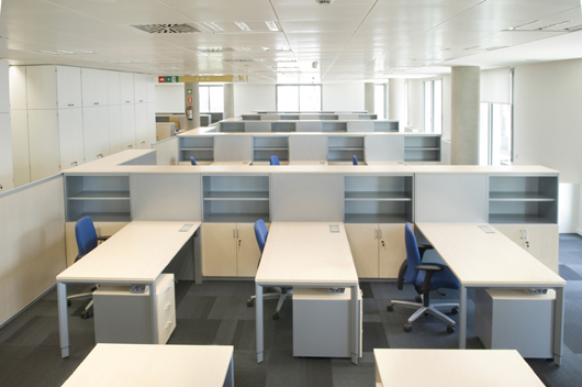 Actiu amuebla las nuevas oficinas centrales del banco sabadell for Open bank oficinas