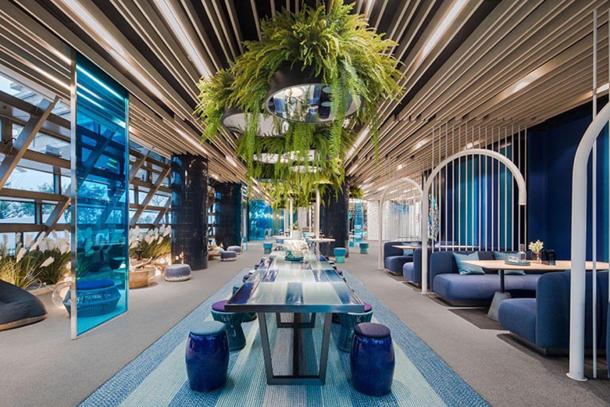El diseño interior de Ippolito Fleitz Group para el Centro de Ventas CIFI en Qingdao sumerge a los visitantes en un estilo de vida marítimo