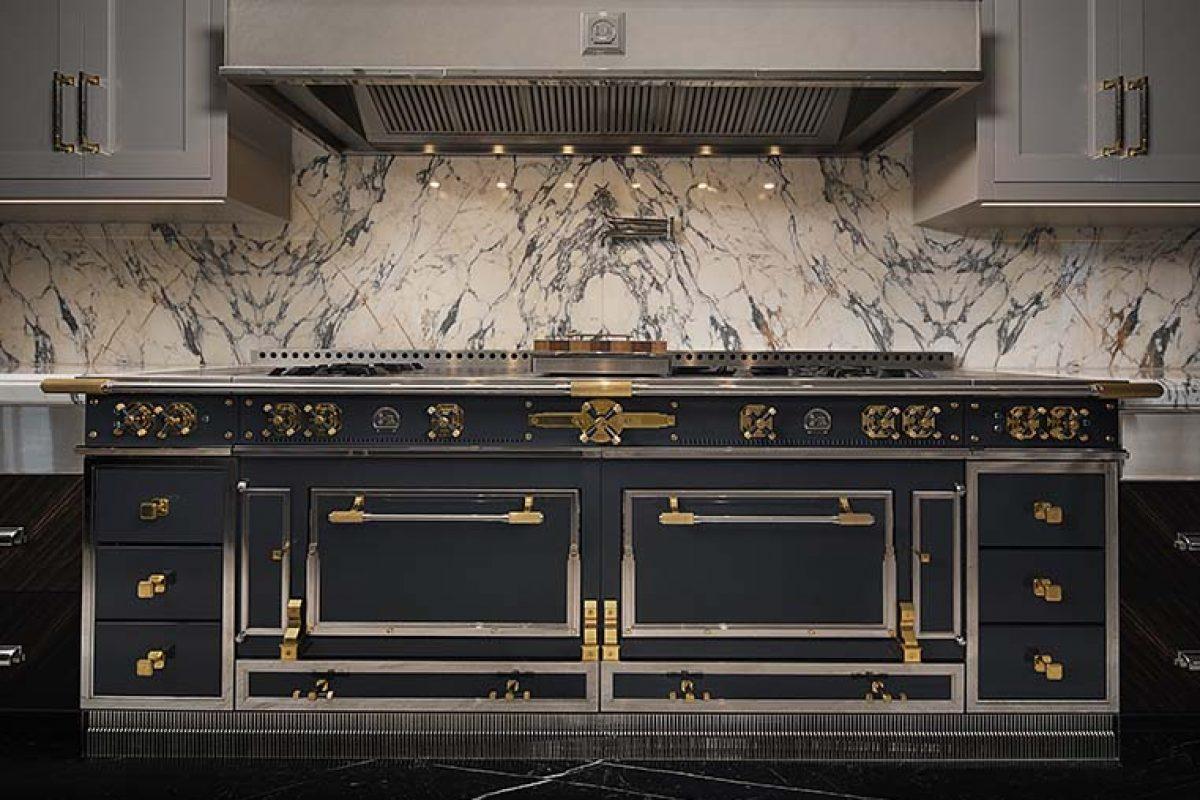 La Cornue presenta el nuevo Château Suprême interpretado por Ferris Rafauli, una obra maestra atemporal para los expertos del arte culinario