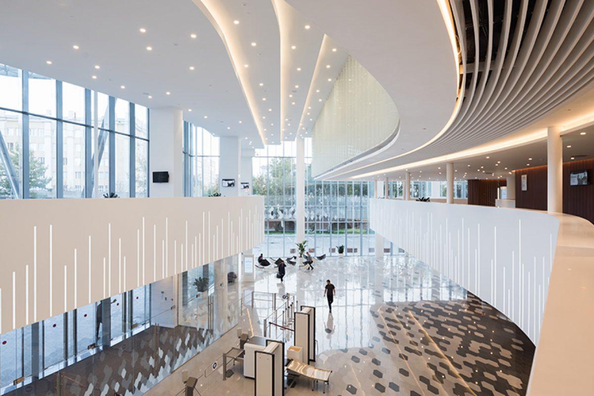 HI-MACS® convierte la sala de conciertos Zaryadye en fuente de inspiración para la arquitectura en Moscú