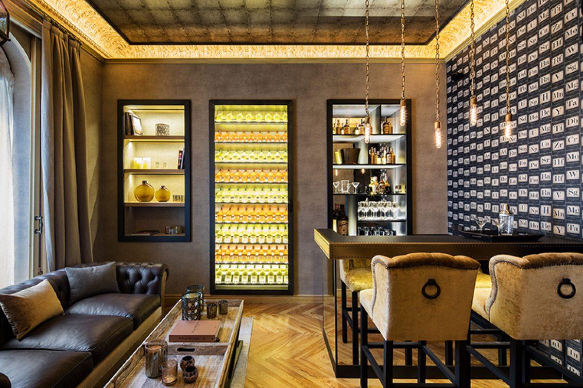 Knowhaus presenta su propuesta de interiorismo en Casa Decor inspirada en los clubs privados británicos de principio de siglo XX