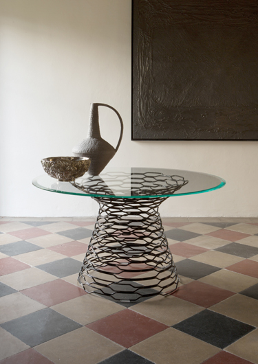 imm cologne preview: Tron table designed by Marc Sadler for Capo d\'Opera