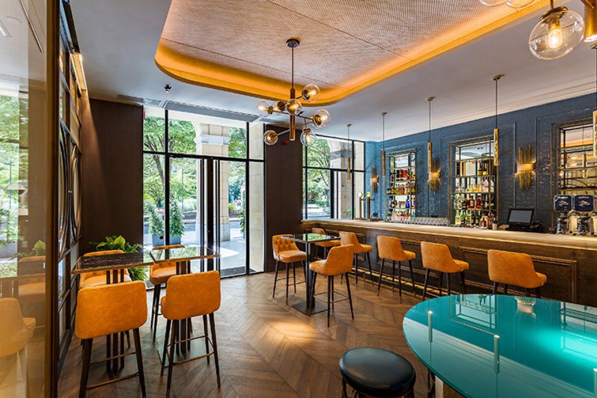 El estudio Cuarto Interior plasma el estilo clásico contemporáneo más cautivador en el hotel Room Mate Gorka de San Sebastián