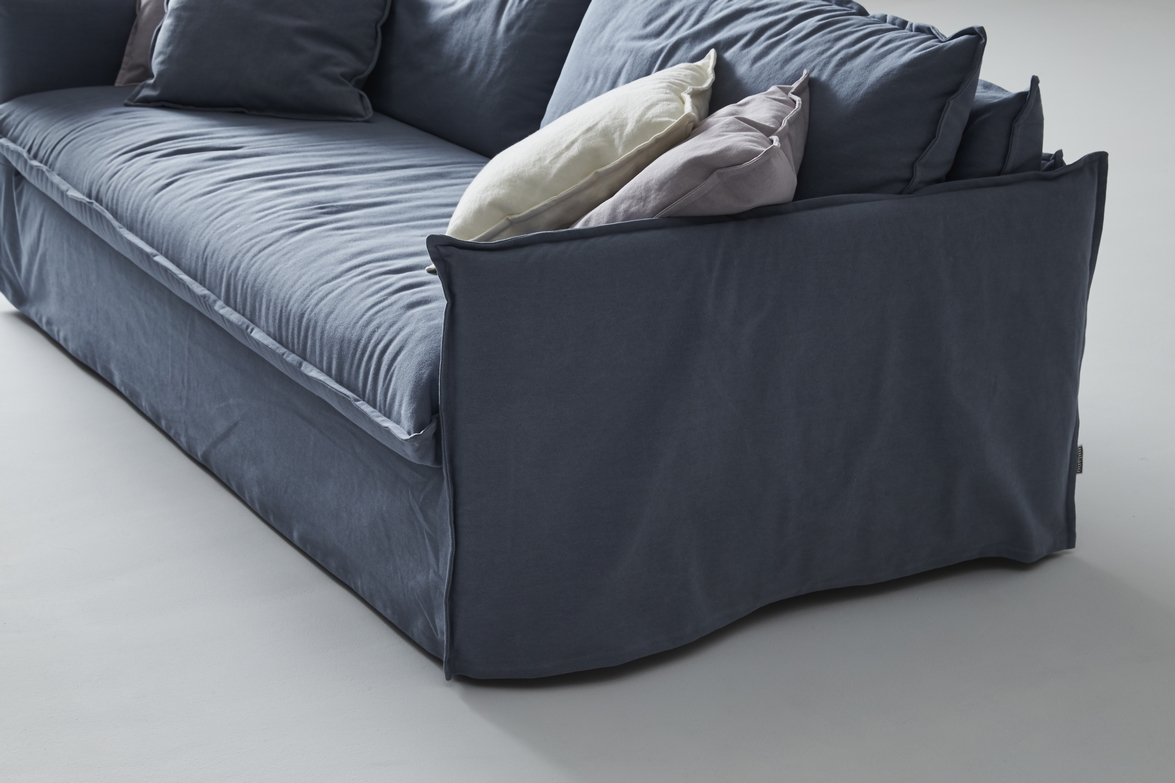 an incomparable sleep quality with the new clarke xl sofa. Black Bedroom Furniture Sets. Home Design Ideas