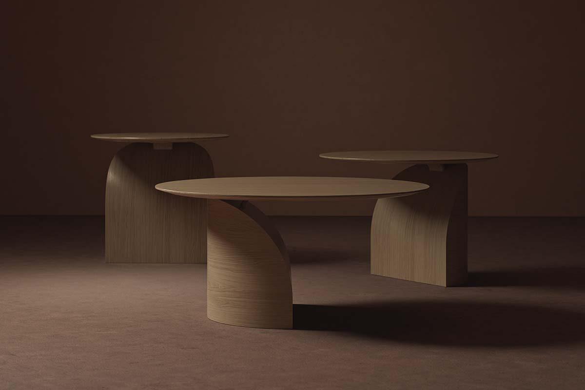 Swedese lanza Savoa, una mesa escultural con un delicado equilibrio