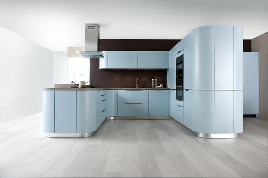Las curvas protagonizan la nueva colecci n de cocinas schmidt for Cocinas schmidt vitoria