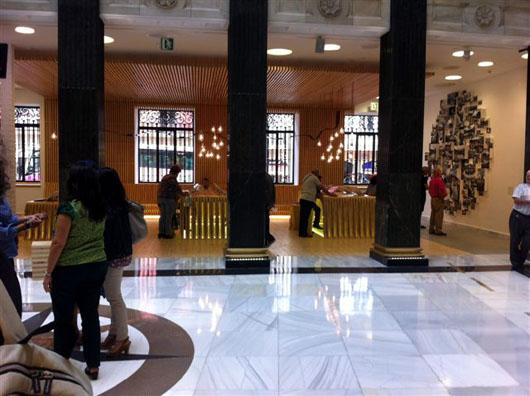 El dise o vasco viste la nueva oficina de turismo de bilbao for Oficinas turismo bilbao