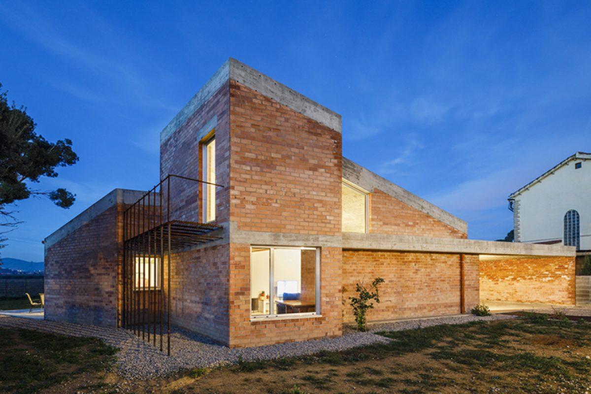 Casa Almudena, proyecto de Jesús Perales, ganador de la XI Bienal Alejandro de la Sota – Muestra de Arquitectura de Tarragona