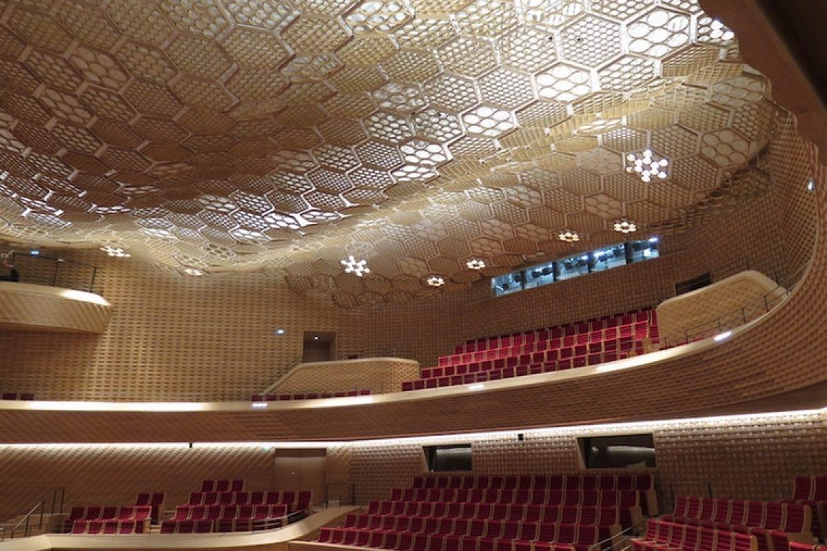 La firma española Alpesa reforma La Seine Musicale de París y le ofrece un diseño sostenible gracias a sus anillos de cartón