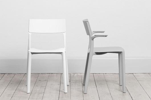 Janinge la nueva silla de form us with love creada para for Sillas y taburetes de cocina en ikea