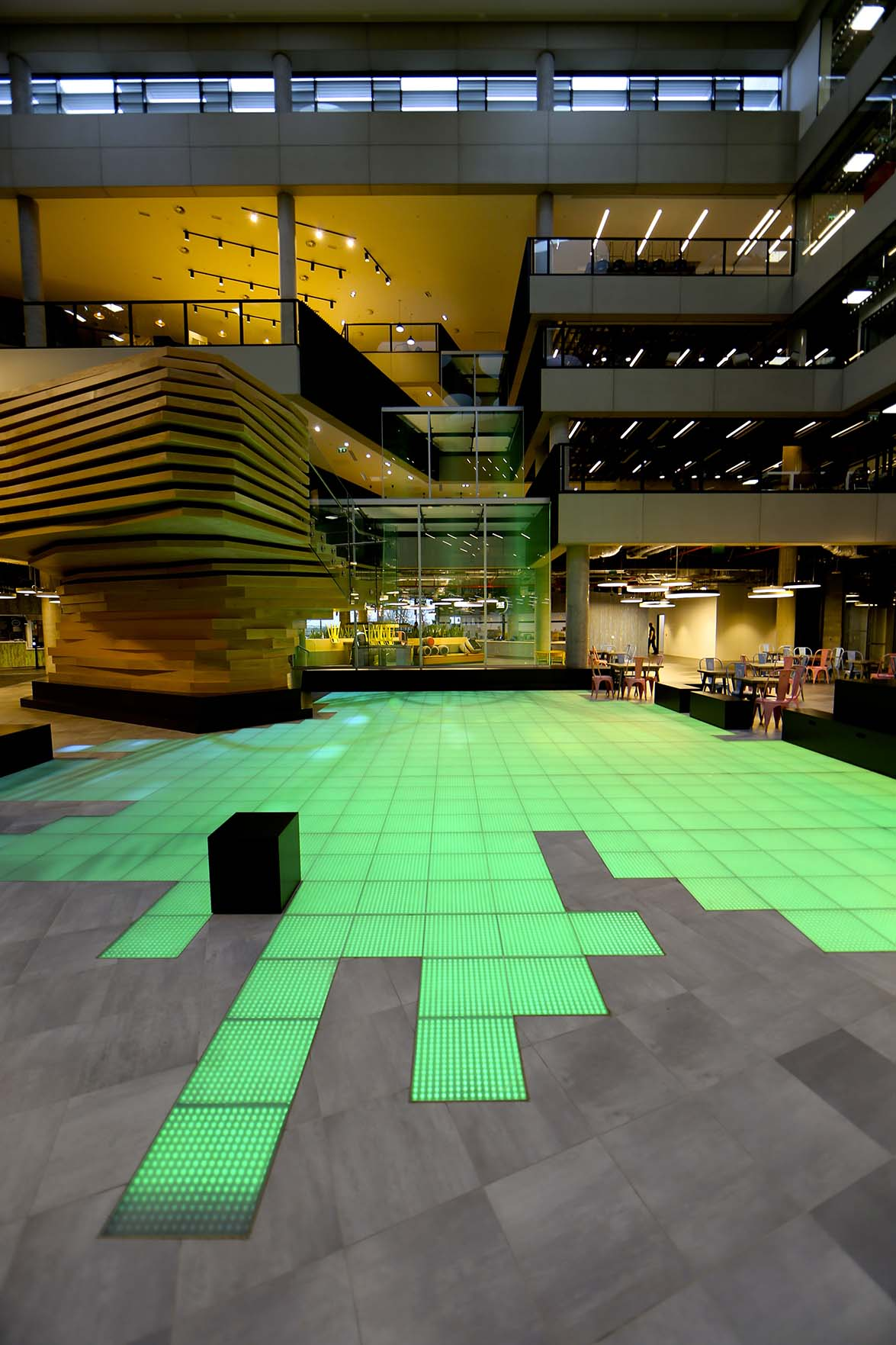 ASB GlassFloor transforms the hall of Microsoft headquarters in ...