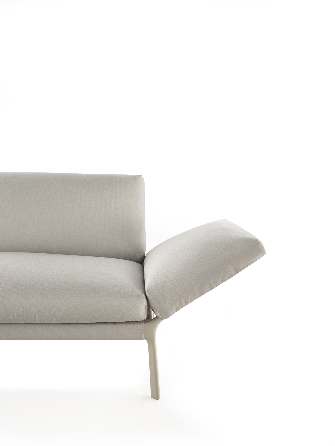 Livit sofa by Lievore Altherr Molina 03