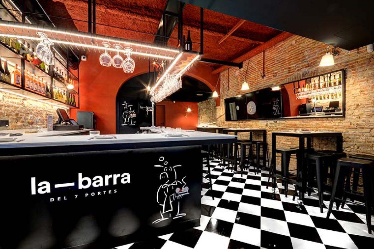 La Barra del 7 Portes, el bar de tapas diseñado por Ignasi Raventós Vila y ejecutado por 4Retail