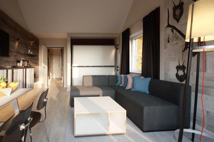 El dorint hotel sport resort winterber equipa sus for Programa para amueblar habitaciones