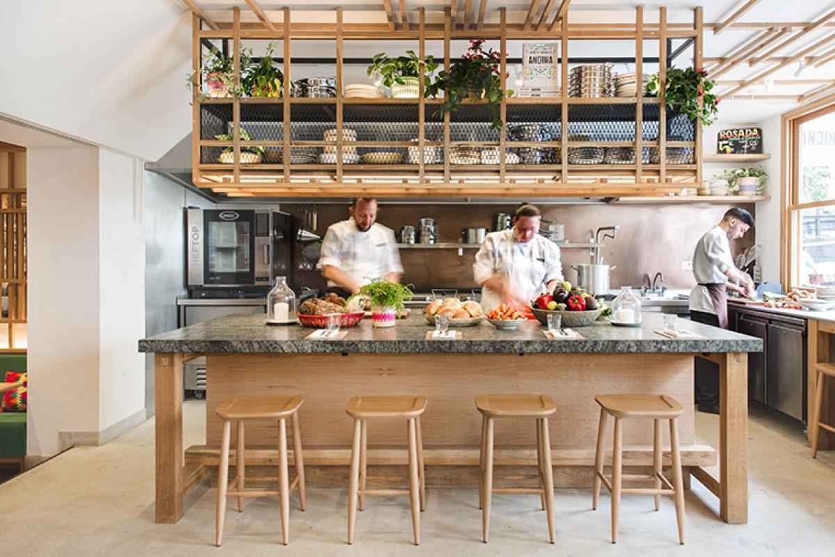 Andina Notting Hill, el restaurante con sutiles referencias Peruanas y un toque artesano diseñado por El Equipo Creativo