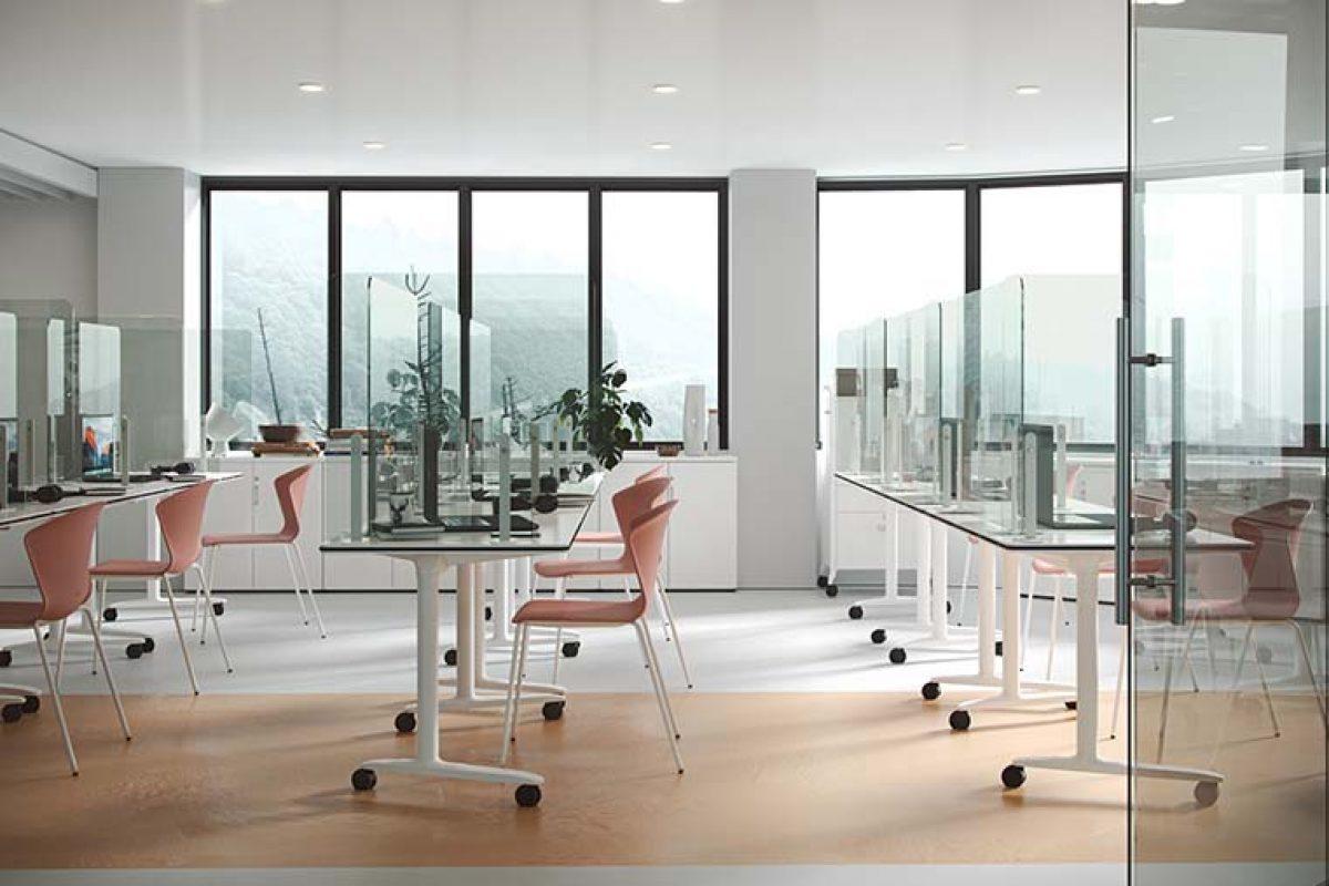 El mobiliario ágil se instaura en las aulas para garantizar la distancia de seguridad