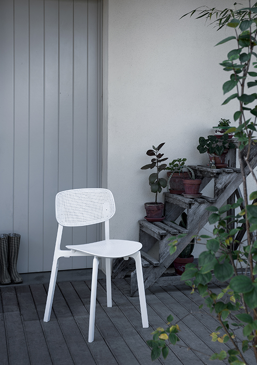 colander chair by patrick norguet for kristalia protagonist at design post cologne and at. Black Bedroom Furniture Sets. Home Design Ideas