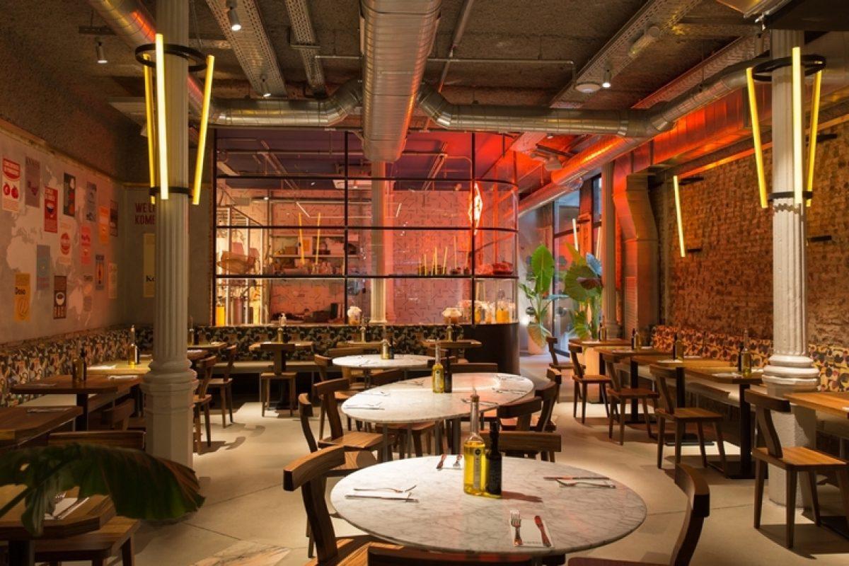 Francesc Pons y 4Retail colaboran en el proyecto del restaurante Flax & Kale Passage. Un resultado singular que mezcla estética industrial y calidez