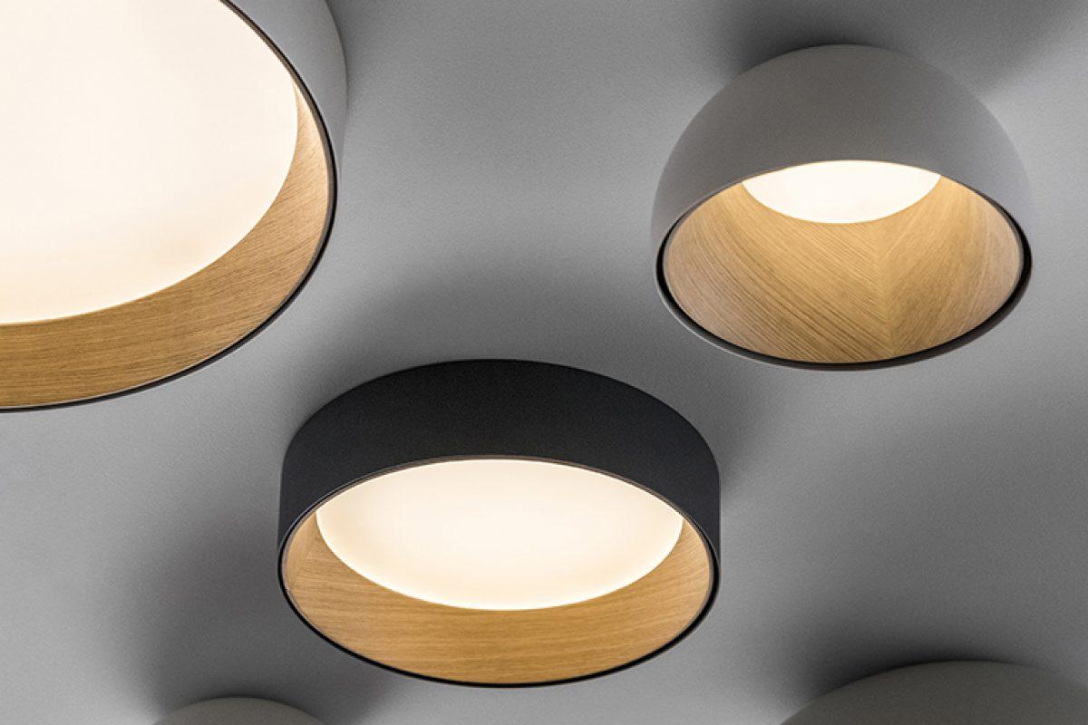 La calidez de la madera protagonista en la nueva luminaria Duo de Ramos & Bassols para Vibia