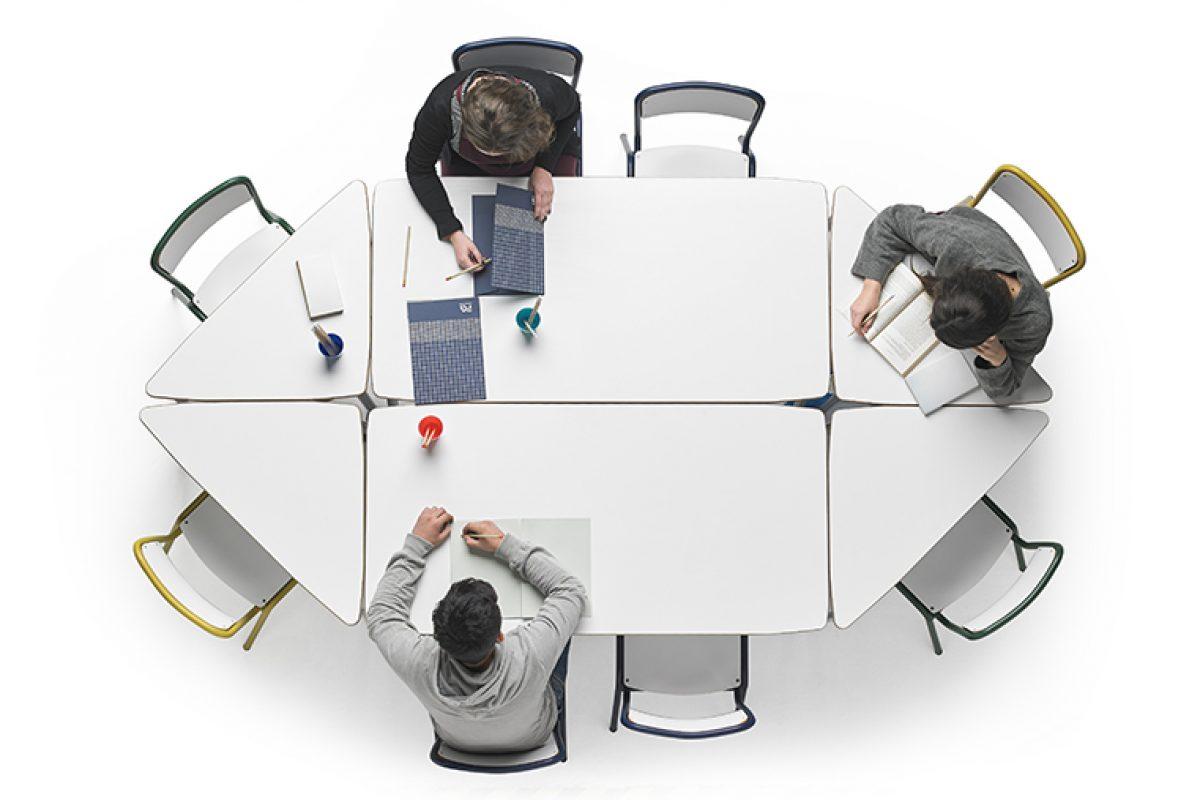 Alegre Design diseña el mobiliario escolar del futuro para Federico Giner que favorece el trabajo en equipo y colaborativo
