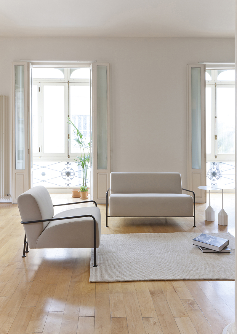 Colubi_armchair-by_Viccarbe_sand