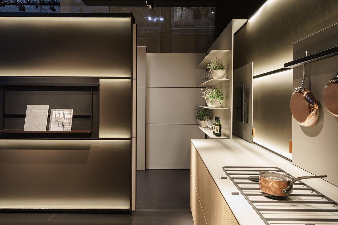 b3_Milan_living_room_panel
